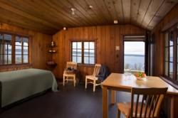 Cama-Beach-standard-cabin-interior-2
